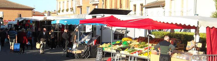 Le marché de plein vent de Saint-Lys à lieu tous les mardis de 8h à 13h sur les lieux suivants : Place Nationale, Place de la Liberté, Sous la Halle